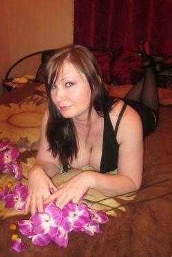 Очаровательная девушка брю ищет мужчину для секса